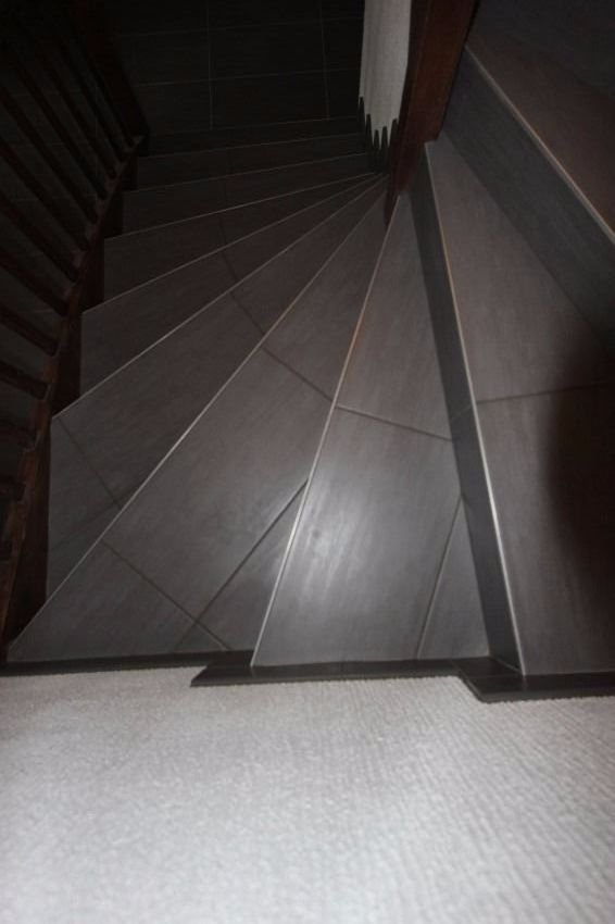 carrelage d escalier gallery of rfection perron duentre sanitaire with carrelage d escalier. Black Bedroom Furniture Sets. Home Design Ideas